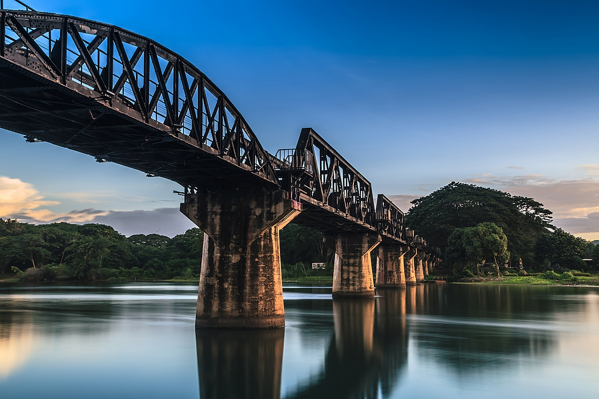 Most přes řeku Kwai v Kanchanaburi