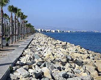 Středozemní moře u kyperského Limassolu