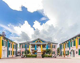 Parlament v Nassau na Bahamách