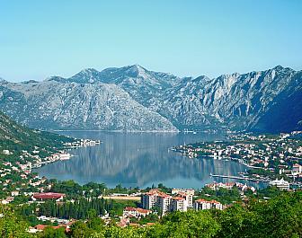 Boka Kotorská a hory