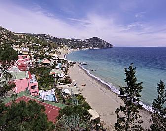 Sant Angelo, pláž