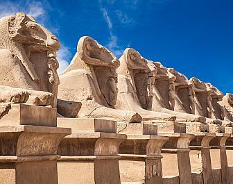 Chrám v Karnaku, sfingy
