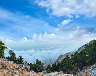 Ainos, pohled na mraky