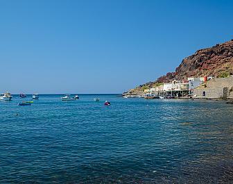 Akrotiri, Red Beach