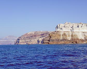 Akrotiri, pohled na útesy nad mořem