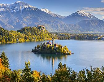 Jezero Bled, celkový pohled z hory Osojnica